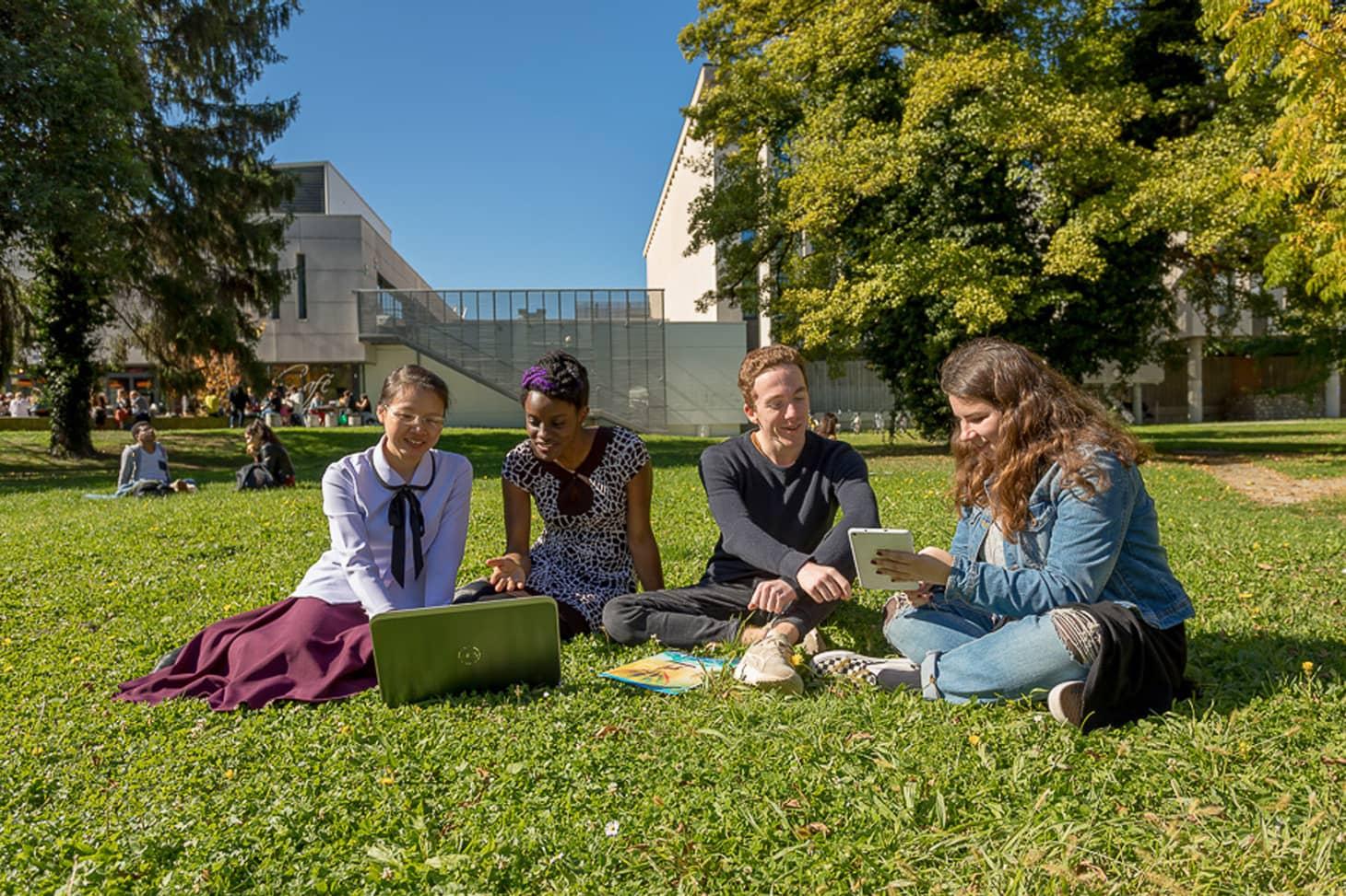 Etudiants internationaux sur le campus de l'UGA. Photo de Pierre Jayet